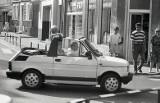 Zobacz, jakimi samochodami jeździli mieszkańcy regionu w latach 80. i 90. [ZDJĘCIA]
