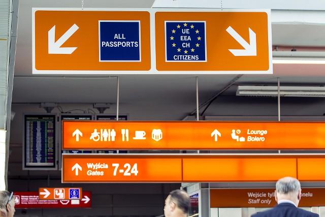Lotnisko Chopina w Warszawie to największe lotnisko w Polsce. W 2016 r. port obsłużył 12,8 mln pasażerów.