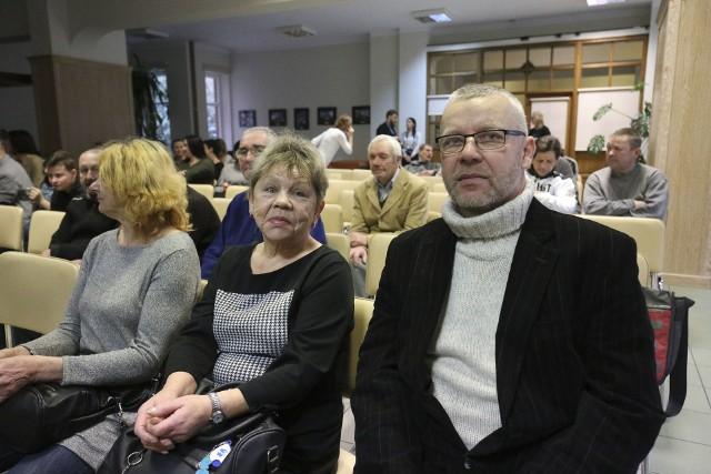 """Pani Ula i pan Arek to bohaterowie filmu """"Twoja historia"""". Oboje są bezdomni, ale pracują w Eleosie. - Dobrze jest mieć codzienne obowiązki - mówi pan Arek."""