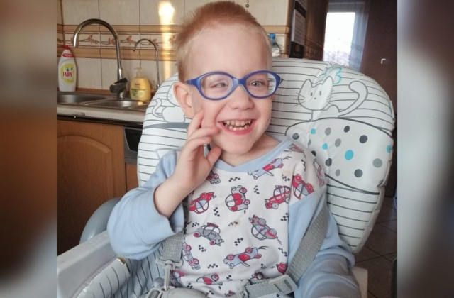Maciuś Chałupczyński ma 4 lata i cierpi na dziecięce porażenie mózgowe.