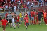 Policjanci poszukują sprawców wtargnięcia na murawę stadionu Widzewa