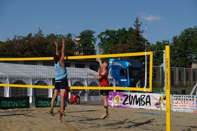 Jedną z dyscyplin festiwalu jest siatkówka plażowa