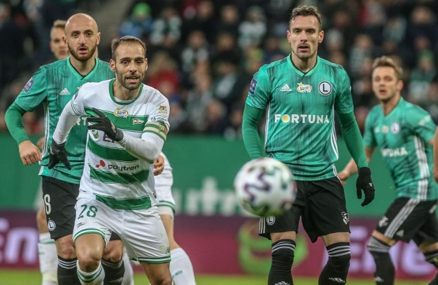 Od nowego sezonu trenerzy w Ekstraklasie będą mogli przeprowadzić pięć zmian w jednym meczu.