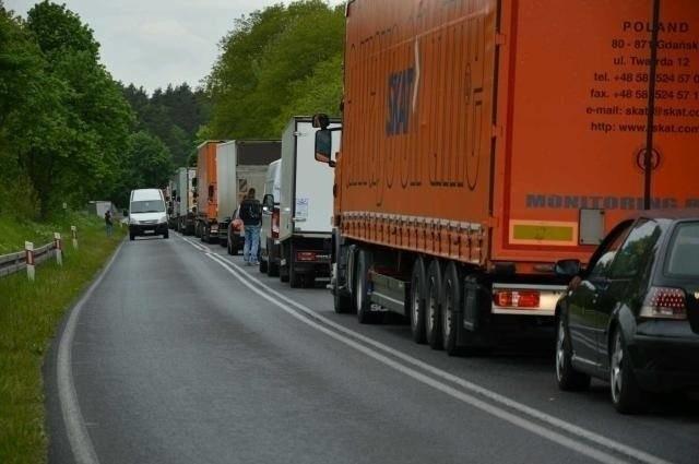 Uwaga kierowcy, musicie uzbroić się w cierpliwość. Na granicy z Niemcami znów tworzą się korki
