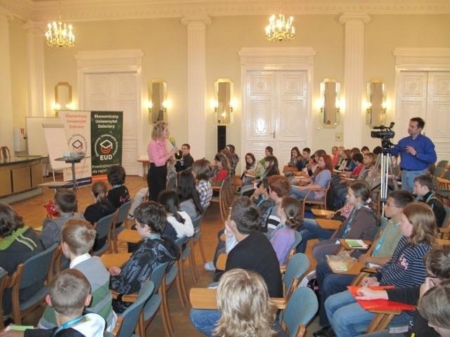 Jedno ze spotkań poprzedniej edycji Ekonomicznego Uniwersytetu Dziecięcego