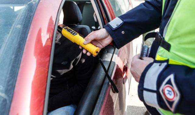 Nietrzeźwy kierowca na drodze to zagrożenie nie tylko dla niego, ale i dla innych uczestników ruchu