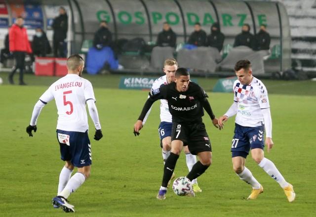 Piłkarzem Cracovii jest Rivaldinho (przy piłce), syn Rivaldo, byłego reprezentanta Brazylii i piłkarza m.in. Barcelony czy Milanu