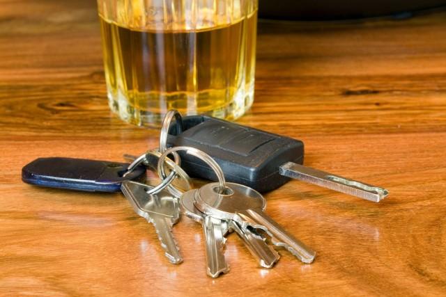 """Kierowcy nie wolno było nawet usiąść """"za kółkiem"""". Wsiadł do samochodu i prowadził kompletnie pijany."""