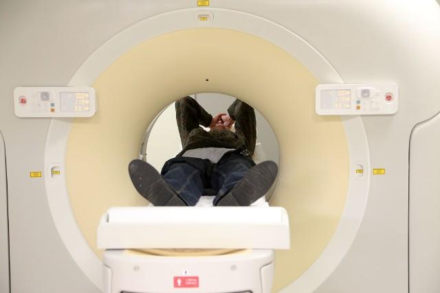Zniesienie limitów na badania rezonansem i tomografem komputerowym obiecuje Ministerstwo Zdrowia. I to już od kwietnia. Cel jest jeden - skrócenie kolejek.