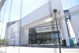 Nowy sąd w Toruniu prawie gotowy! Ostatnie szlify: meblowanie, zieleń, oznakowanie