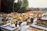 """Powódź tysiąclecia w Rybniku. """"Ciała zmarłych wypływały z wody. Przerażające"""". Cmentarz osunął się w 1997 roku"""