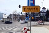 Objazdy, zwężone lub zamknięte jezdnie, wyłączona sygnalizacja – olbrzymie zmiany w ruchu na Al. Racławickich