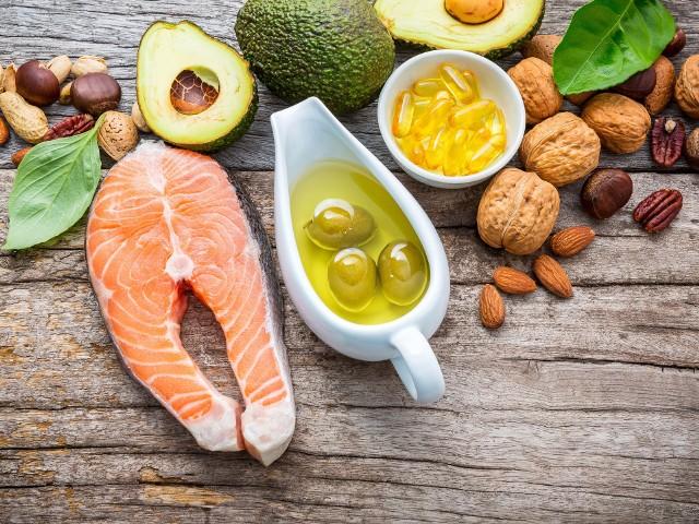 Zdrowe tłuszcze są zawarte w pokarmach roślinnych oraz tłustych rybach