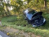 Dwie osobówki zderzyły się pod Opolem. Sprawca chciał zrobić uprzejmość innym kierowcom, skończyło się na mandacie