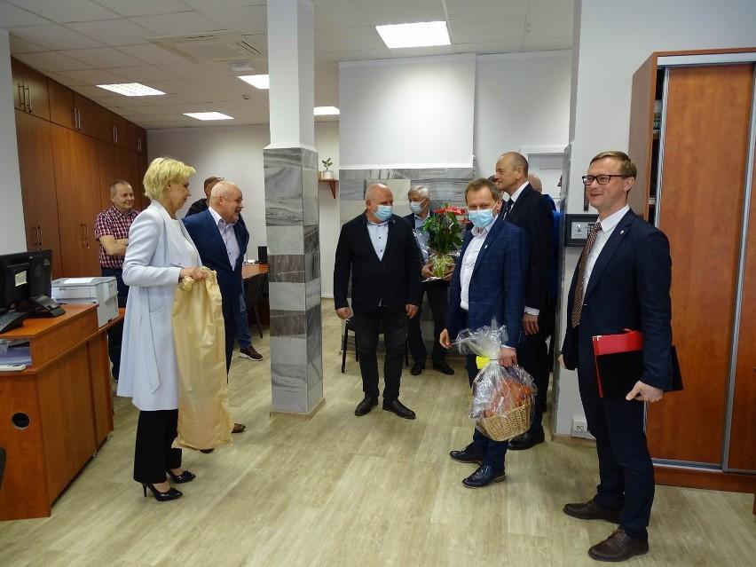 Urząd Gminy Chełmno przeniósł się do dawnej siedziby Banku...