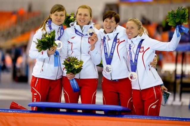 Drużyna łyżwiarek na igrzyskach w Soczi zdobyła srebro. Jak pójdzie jej w PjongCzangu?