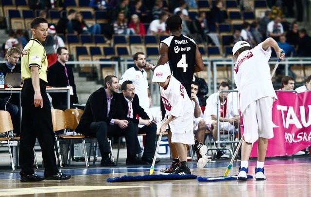 Sędziowie byli najsłabszymi aktorami koszykarskiego meczu ŁKS - Czarni