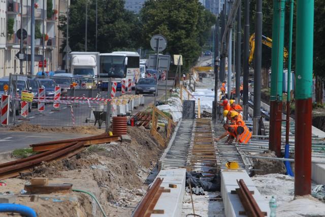 W sobotę rozpocznie się kolejny etap pracy związanych z przebudową torowiska tramwajowego w ul. Królowej Jadwigi