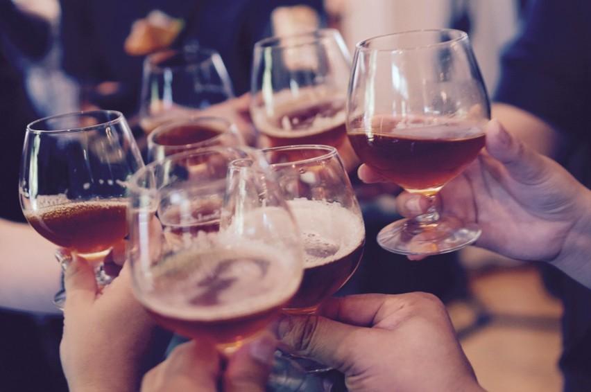 Zaskakujące skutki uboczne niepicia alkoholu. - Zobacz, co się dzieje, gdy nie pijesz - mówią eksperci