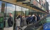 Niedziela handlowa 25 kwietnia. Ludzie ruszyli do sklepów w Białymstoku (zdjęcia)