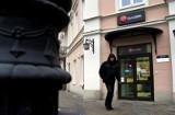 Bank jest jak pistolet? Marek Burzyński pozwał Bank BPH o 2,9 mln zł, bo stracił kontrolę nad kontem wydawnictwa