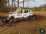 Pożar samochodu w Drzonkowie. W bagażniku znaleziono dwie łopaty i ludzkie kości