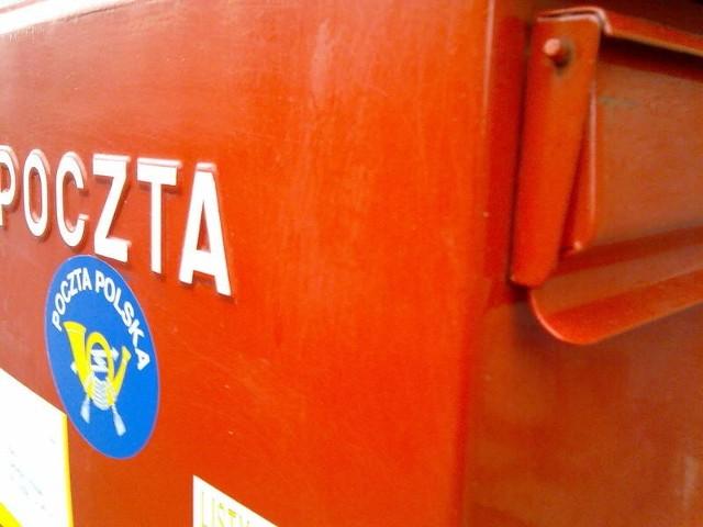 Świętokrzyskie nie może pochwalić się dużą liczbą placówek pocztowych. Diala też u nas niewielu prywatnych operatorów, którzy świadczą usługi pocztowe.