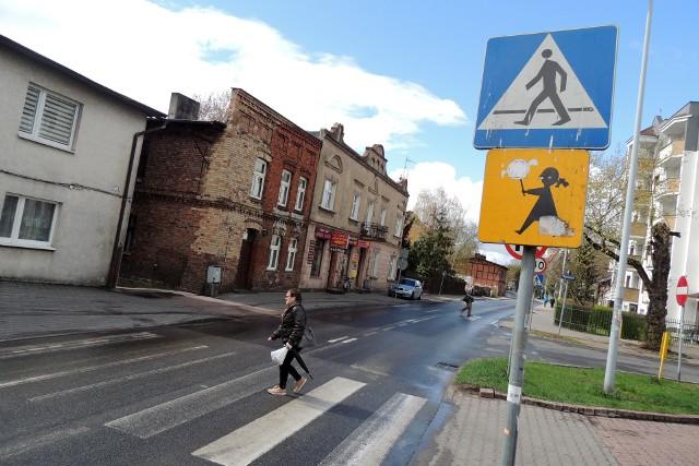 Pasy na przejściu przy ulicy Podgórnej wymagają odnowienia