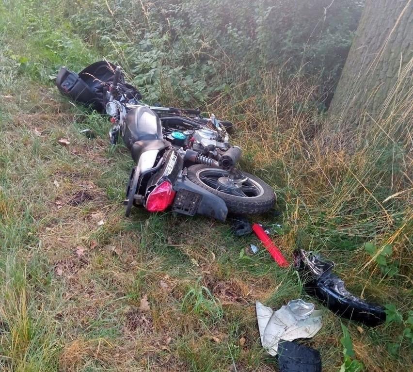 Groźny wypadek pod Namysłowem. Motorowerzysta czołowo zderzył się z samochodem osobowym. W stanie krytycznym trafił do szpitala