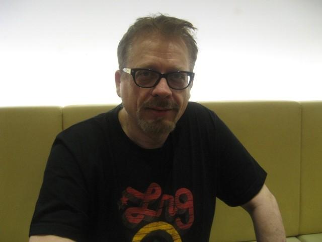 """Tomasz Raczek to 56-letni krytyk filmowy. Do czerwca 2013 był redaktorem naczelnym miesięcznika """"Film"""""""