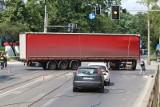 Pod sąd za kradzież i paserstwo 21 ciężarówek z naczepami. Na ławę oskarżonych trafi aż 25 osób.