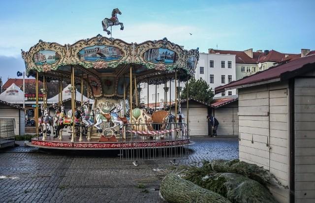 Przygotowania do Jarmarku Bożonarodzeniowego na Targu Węglowym