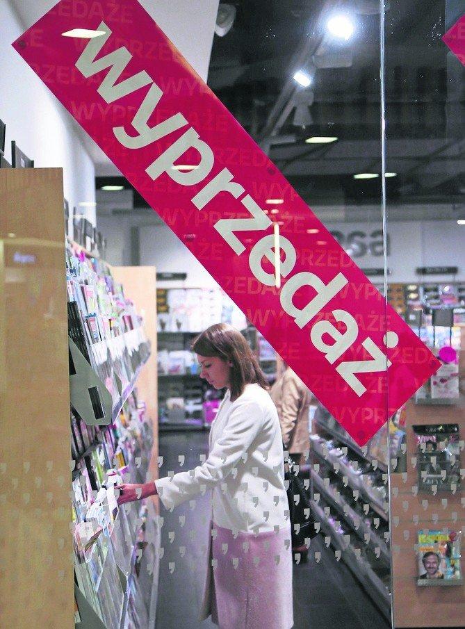 1490e4dedc5ed2 Świąteczne wyprzedaże ogarnęły cały region. Ceny w sklepach idą w ...