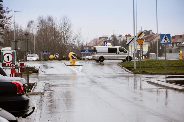 Skrzyżowanie ulic Madalińskiego, Pileckiego i Blachnickiego