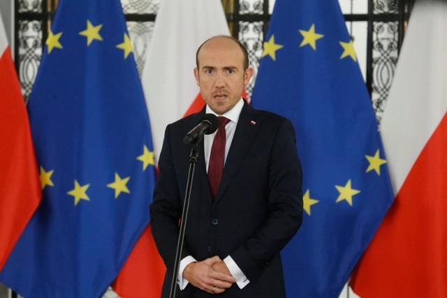 Borys Budka apeluje do rządzących w sprawie masowych szczepień: Mniej polityki, więcej logistyki