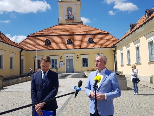 - To jest brutalny akt międzynarodowego terroryzmu. Łukaszenka udowadnia, że jest zagrożeniem dla pokoju i bezpieczeństwa w Europie. Reakcja UE musi być wreszcie adekwatna do sytuacji. Dość pobłażania dla bandytyzmu Łukaszenki - komentuje Robert Tyszkiewicz, poseł PO.