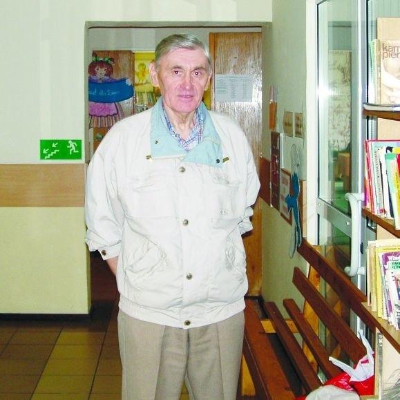 - Jeśli ktoś wypożyczył książkę i celowo jej nie oddaje, to tak jakby ją ukradł - uważa Henryk Wądołowski, suwalczanin