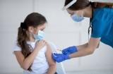 Rodzice nie szczepią dzieci w szkołach, bo zrobili to już wcześniej. Akcja szczepień w szkołach zorganizowana zbyt późno?