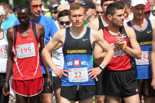 Przemysław Dąbrowski to lider biegaczy z naszego regionu.
