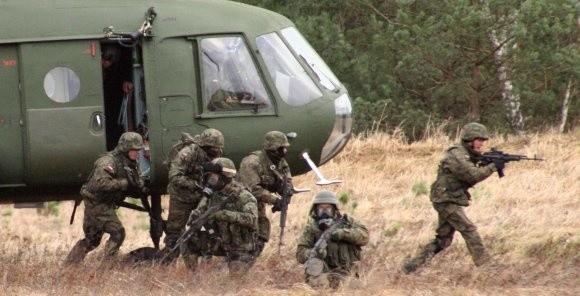 Zmechanizowani ze Szczecina nie mają chwili wytchnienia. Od bladego świtu do zmierzchu, a także w nocy przebywają na pasach taktycznych i strzelnicach, gdzie doskonalą umiejętności bojowe i zgłębiają tajniki współczesnego pola walki.