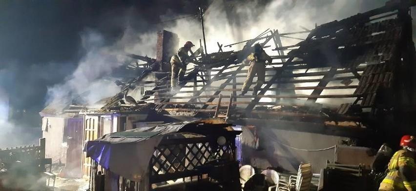 Tragiczny pożar w Mostach 11.03.2021 r. W płonącym domu znaleziono ciało