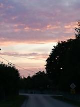 Niezwykły zachód słońca przed burzą w regionie włoszczowskim (ZDJĘCIA)