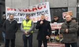 Nie chcemy silikonowej wołowiny ze Stanów, mówią i protestują przed ambasadą