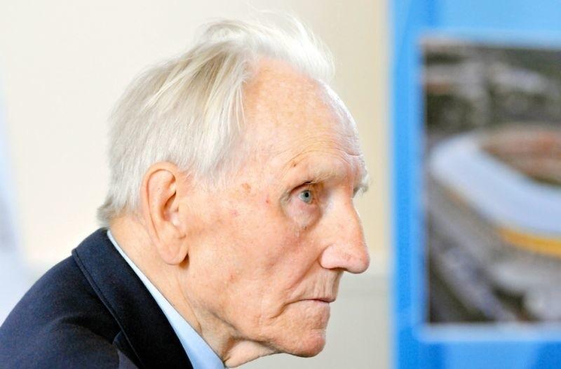 Auschwitz-Birkenau to fabryka śmierci  Kazimierz Piechowski