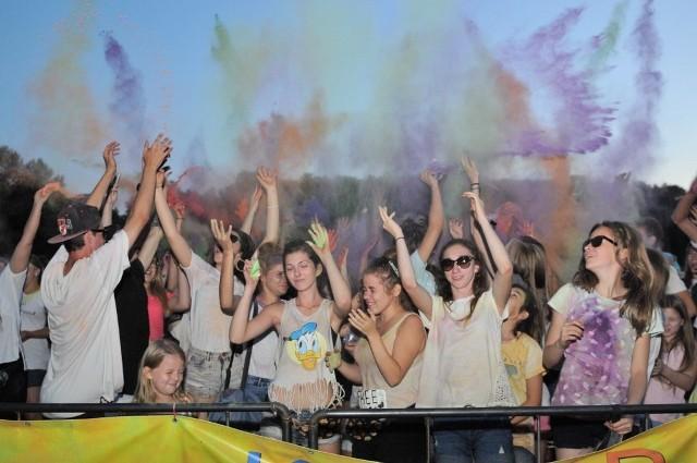Kolor Fest w Poznaniu: Obrzucali się farbami na Malcie!