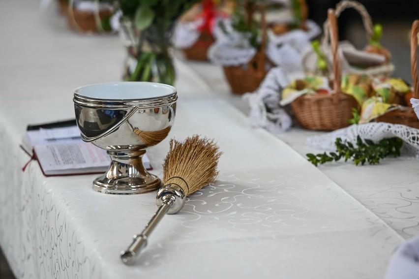 Święcenie pokarmów w 2021 roku nie odbywa się w kościołach z...