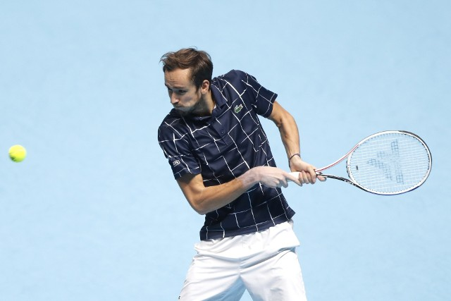 W Londynie Daniił Miedwiediew pokonał w finale Dominika Thiema