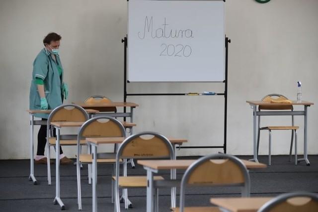 Przygotowania do matury w czerwcu 2020 w XX LO w Łodzi.