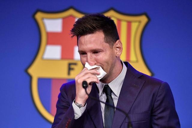 Messi nie był szczęśliwy z faktu, że opuszcza Barcelonę. Długo jednak nie szukał nowego klubu.