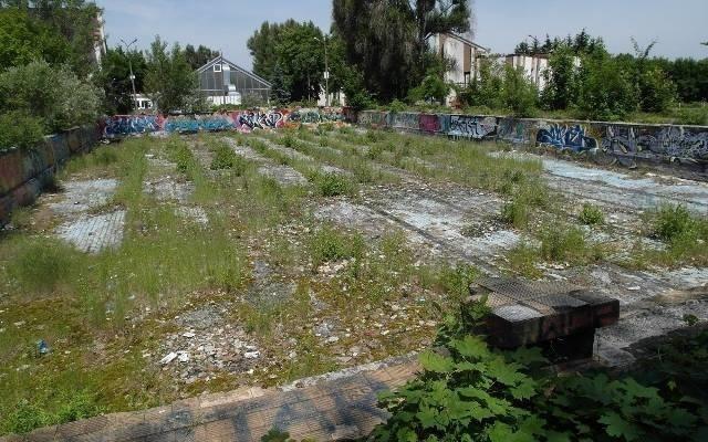 Opuszczone baseny przy ulicy Racławickiej we Wrocławiu.